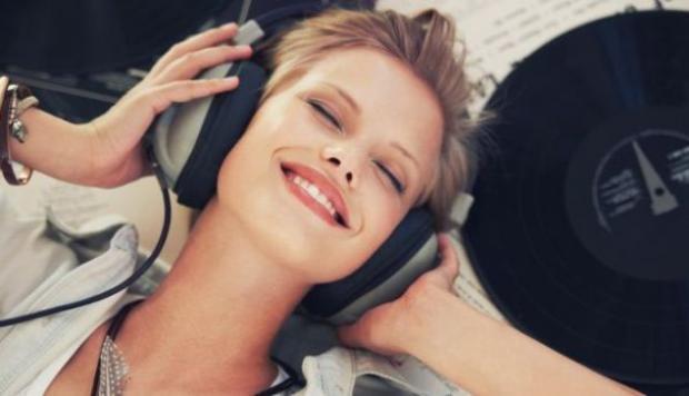 Cómo se puede escuchar música en tres dimensiones?
