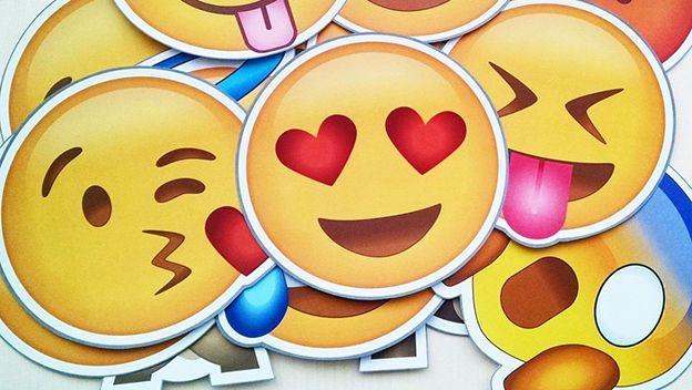 WhatsApp ya tiene buscador de 'emojis' en su última versión