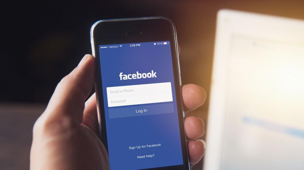 Steve Wozniak, cofundador de Apple: «Todos deberían salir de Facebook»